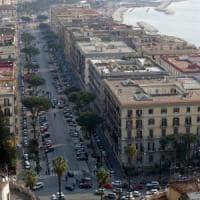 Napoli, anziana presa a pugni e calci in viale Gramsci per 75 euro