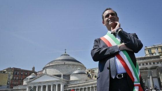 """De Magistris: """"L'Italia si sta desalvinizzando,  atti disumani verso Sea Watch"""""""