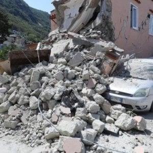 Ischia, 4.300 firme per chiedere la proroga dello stato di emergenza per il terremoto