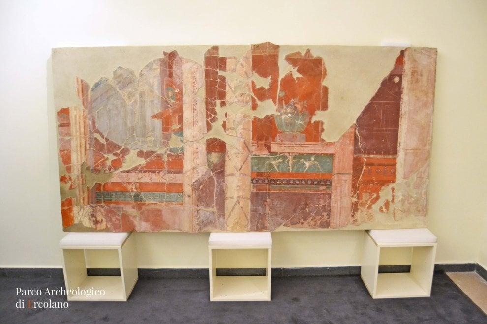 Ercolano: laboratori aperti al pubblico per il restauro un affresco di Villa dei Papiri