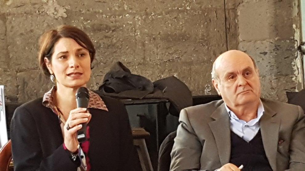 """Presentato a Napoli il libro di Stefania Pellegrini: """"L'impresa grigia"""""""