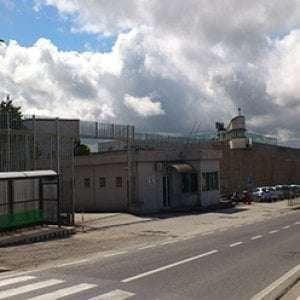 Carceri, brucia materasso e cuscino in cella: nove agenti intossicati nell'Avellinese