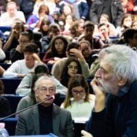 """Potenza, Gino Strada: """"Abbiamo bisogno di costruire una cultura dei diritti e della solidarietà. Non facciamoci intimorire"""""""