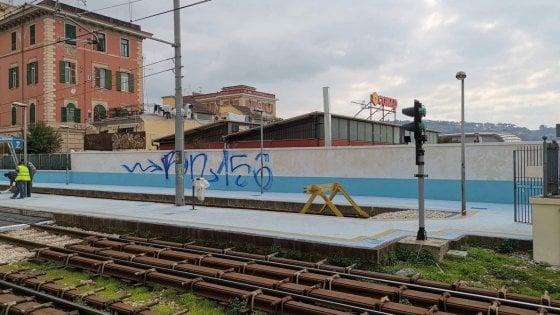 Vandalizzata la stazione cumana di Agnano appena rifatta