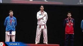 Scampia in festa a 16 anni vince l'oro nel karate