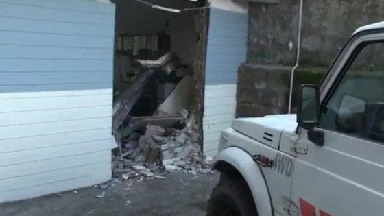 Rapina nell'ufficio postale di Castellammare, ladri sfondano la parete e rubano 60mila euro