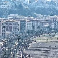 Migliaia di persone nella villa comunale di Castellammare: lo scatto dall'alto