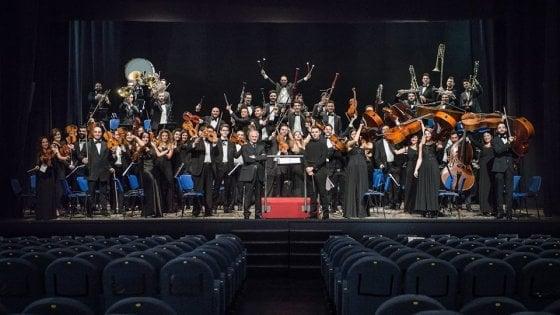 """Al Teatro Augusteo di Salerno il concerto sinfonico dell'OSSCA con """"Eterna giovinezza"""""""