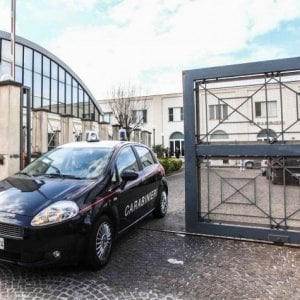 Castellammare, troppi pregiudicati davanti al bar: i carabinieri ordinano la chiusura del locale per 3 giorni