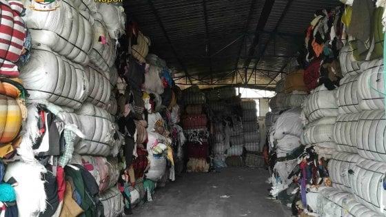 A Cercola scoperto un sito di gestione rifiuti fantasma: trovati anche 12 lavoratori in nero