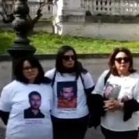 Camorra, i familiari di 4 vittime innocenti del clan dei Casalesi manifestano al Viminale