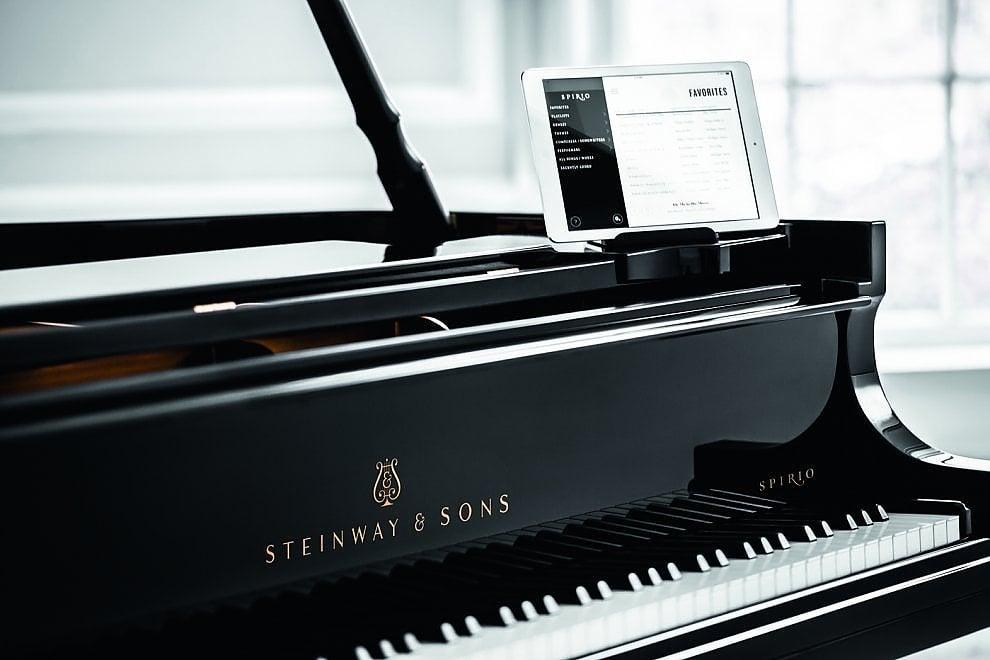 """Napoli, ecco Spirio, il pianoforte che suona """"da solo"""""""
