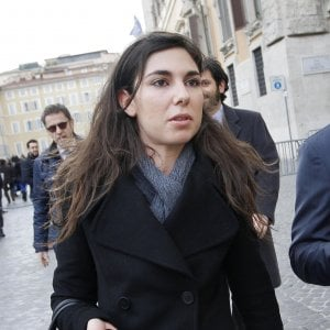 """M5s, caso Giulia Sarti. La madre di Tiziana, suicida dopo video hard: """"Dispiace, si facciano le leggi"""""""