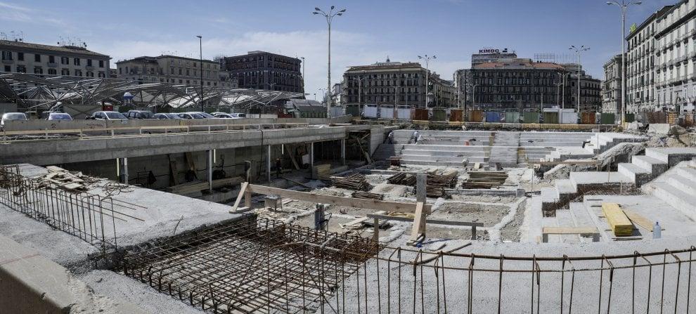 Napoli, al via la piantumazione degli alberi in piazza Garibaldi: nascerà un bosco urbano