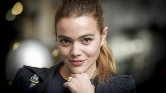 """I volti di Napoli, Pina Turco: """"Non volevo fare l'attrice ignorante, ora corro per il David"""""""