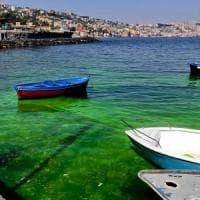 Posillipo, il mare torna blu, s'indaga sull'uso di una sostanza usata da