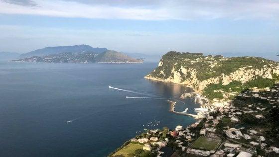 Capri, arriva l'ordinanza: l'isola azzurra diventa plasic free