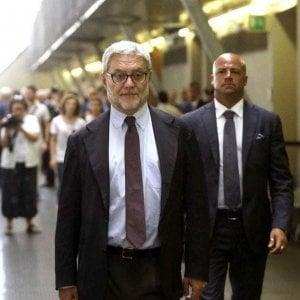 Italiani intercettati per sbaglio, quattro indagati e due società sotto sequestro nell'inchiesta sul software spia