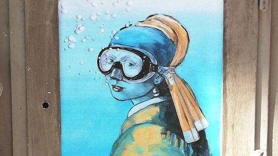 """Street art """"subacquea"""" a Napoli, Incursione di Blub: """"Omaggio a chi trova soluzioni in un mare di difficoltà"""""""