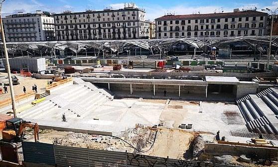 """Piazza Garibaldi, fioriscono gli alberi piantati: """"Da non luogo a spazio urbano"""""""