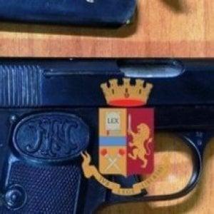 Alla movida con la pistola, bloccato 18enne ai baretti di Chiaia