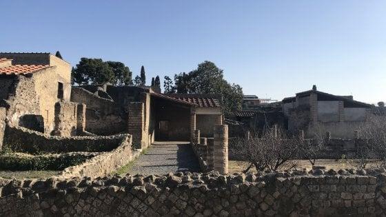 La Via Crucis del Cardinale Sepe per la prima volta negli scavi di Ercolano