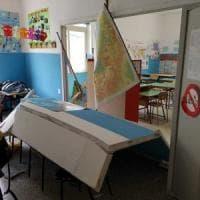 Sant'Anastasia, crolla la parete di una scuola: feriti una maestra incinta e 5 bambini