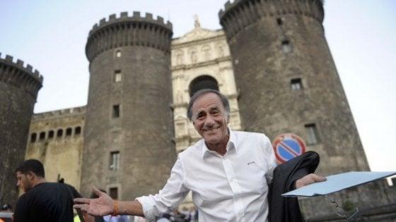 """Roberto Vecchioni: """"Napoli ha fatto molti passi avanti, è meglio di Roma"""""""