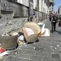 """Napoli, la denuncia: """"Ecco il degrado che umilia Porta Nolana"""""""