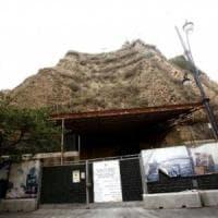 Napoli: lavori riqualificazione Monte Echia, smontaggio gru