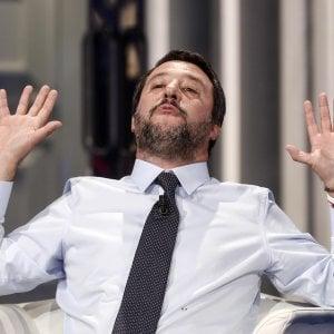 """Salvini contro de Magistris: """"Prima mi chiede aiuto e poi mi attacca"""""""