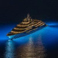Capri, al via la stagione degli yacht di lusso: arriva Flying Fox, vale 300 milioni di dollari