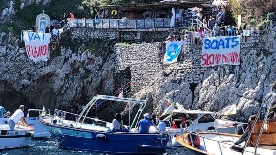 Sicurezza in mare a Capri, flash mob alla Grotta Azzurra