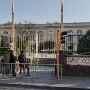 Napoli: vento forte a Pasquetta, chiusi i parchi cittadini