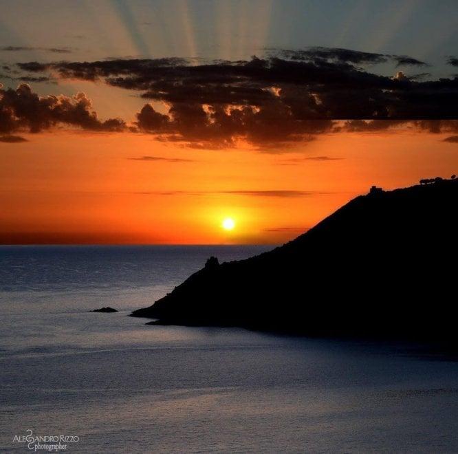 Ascea, l'incanto del tramonto nel cuore del Cilento