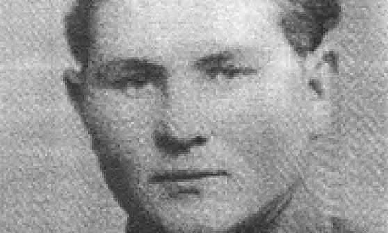 """Fiori sulla tomba del criminale nazista nel casertano, l'Anpi: """"Basta, va seppellito in un loculo senza nome"""""""