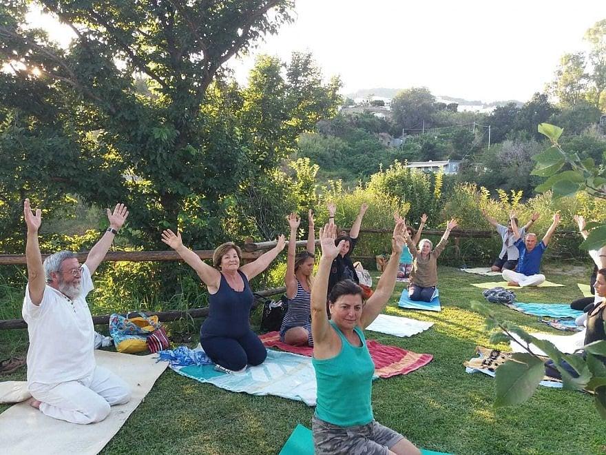 Ischia, yoga per tutti nel giorno della Liberazione