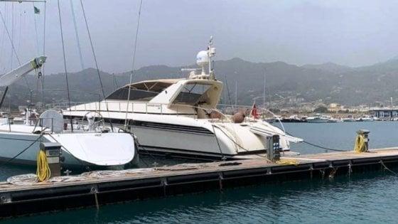 Risultati immagini per sapri yacht