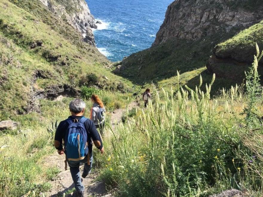 """Ischia, tutti pazzi per l'escursionismo: boom di """"Andar per sentieri"""""""