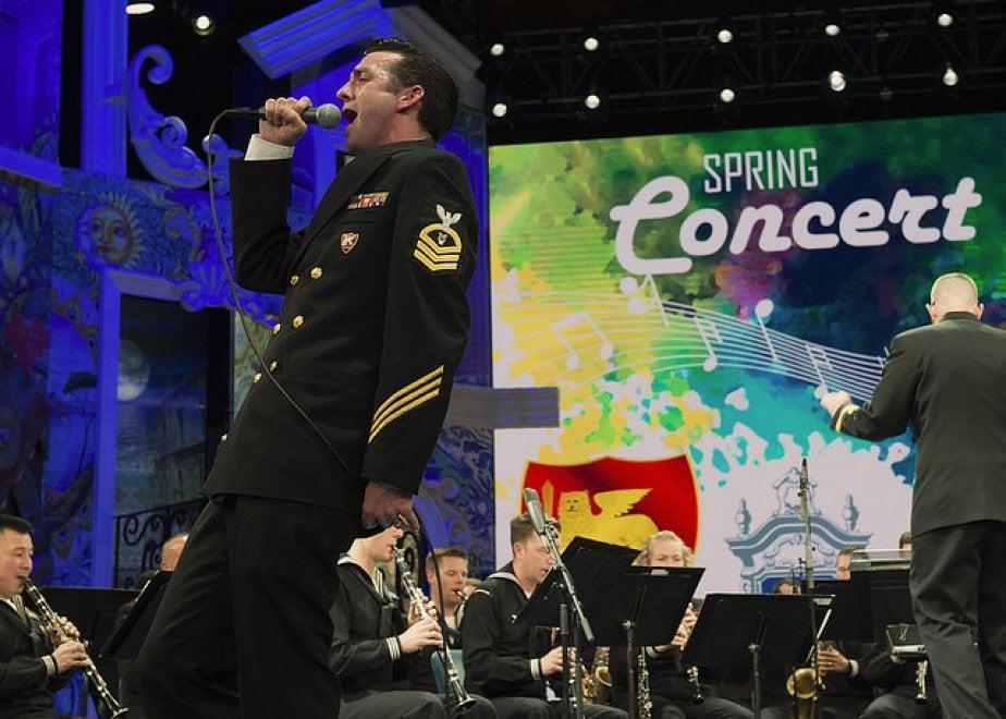 """Napoli, concerto di primavera della band della U.S. Navy all'Auditorium Rai con il coro di """"That's Napoli live show"""""""