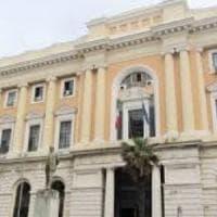 Bimbi strattonati  e tirati per i capelli: indagate tre maestre nel Salernitano