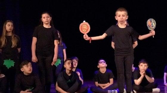 """""""Maggio all'infanzia"""": studenti portano in scena spettacoli teatrali"""