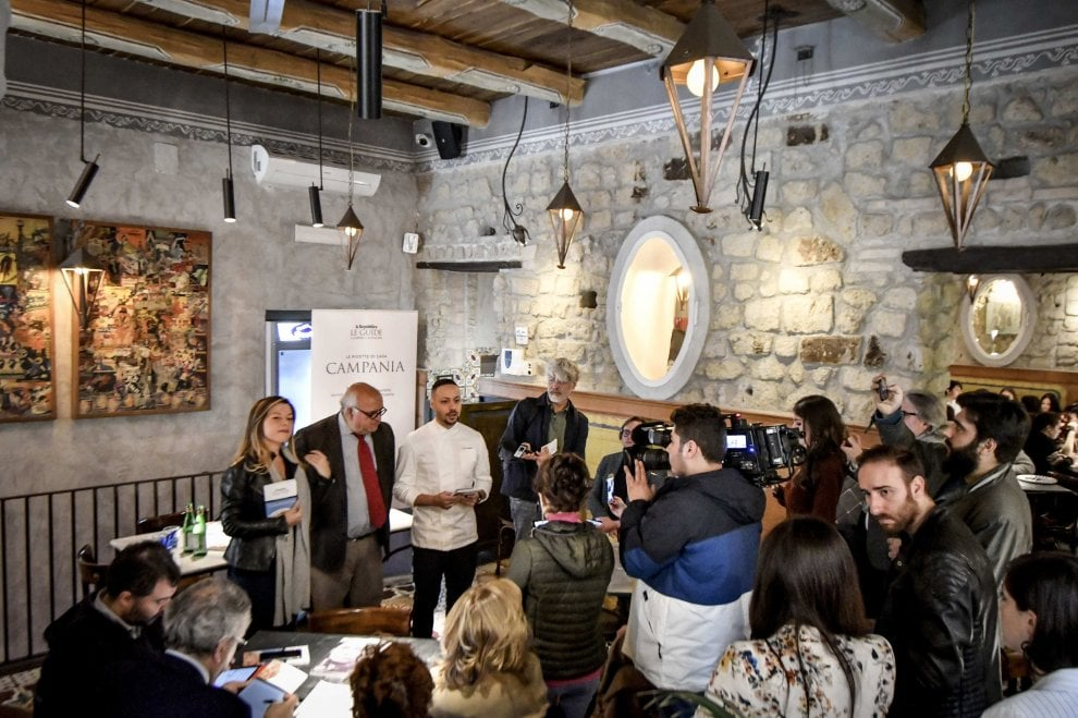 Napoli, presentata la guida di Repubblica: sfida al racket con le eccellenze del territorio