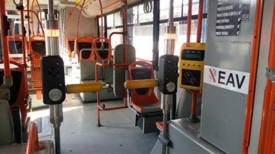 Eav, arrivano i tornelli a bordo dei bus