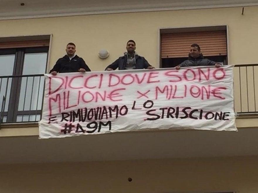 Salerno, striscioni anti Salvini
