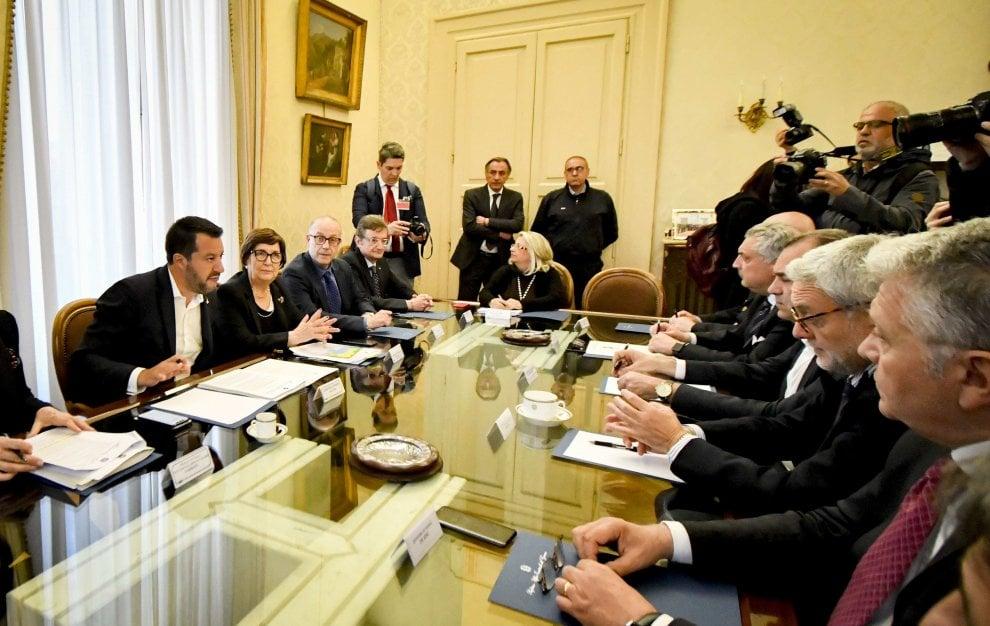 Napoli, Salvini presiede il comitato per la Sicurezza in prefettura