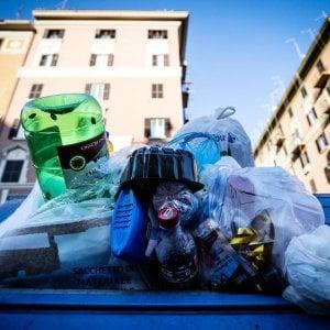 Napoli, maxievasione sui rifiuti: recuperati 40 milioni su 600