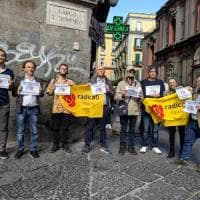 Flash mob a piazza San Domenico per Radio Radicale