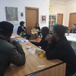 Potenza, stop della Prefettura all'accoglienza dei migranti con protezione umanitaria