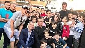 """Zielinsky e Verdi premiano i bambini  della fondazione """"A' Voce d'è Creature"""""""